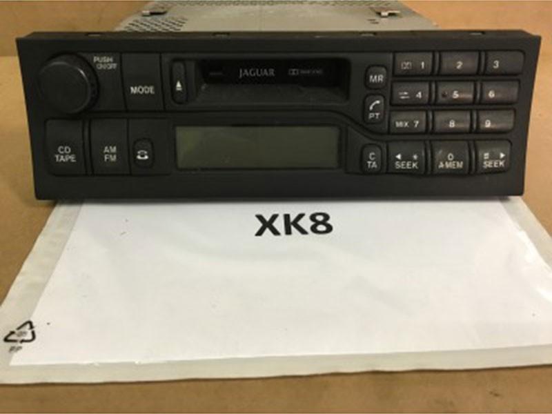 Radio cassette LJD4100AA Jaguar XK8