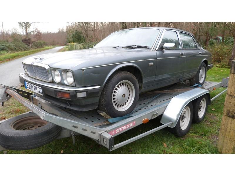 Jaguar XJ40 2.9