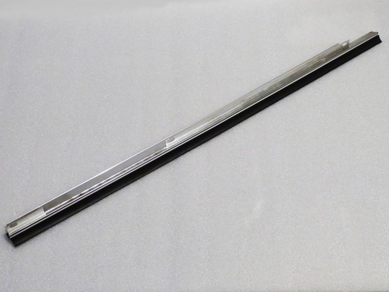 Finition / joint de vitre avant Jaguar XJ40