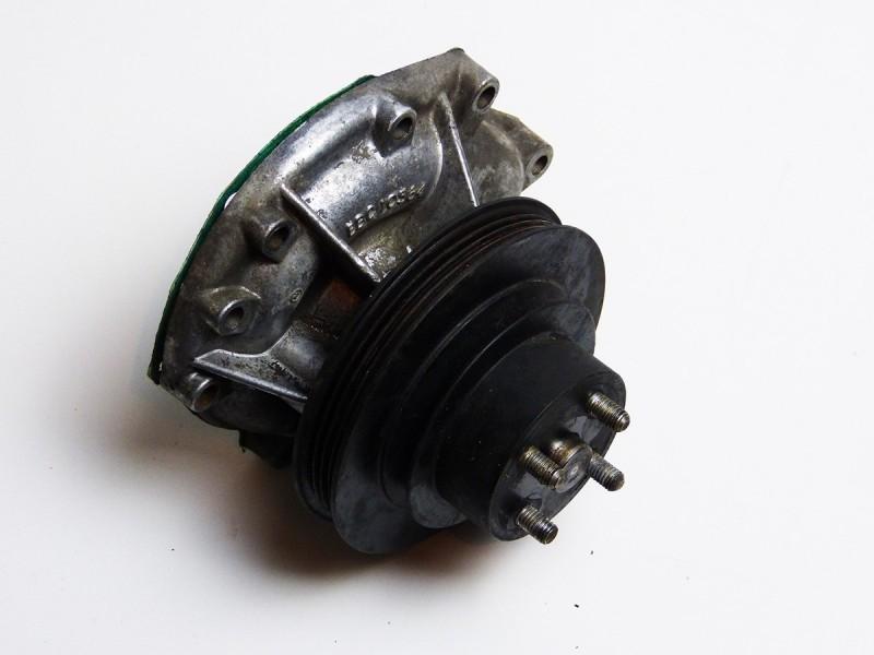 Pompe à eau EBC8550 Jaguar XJ8
