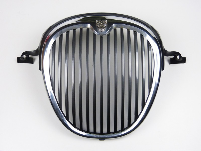 Radiator Grille XR845002 Jaguar S-Type 2002 - 2004